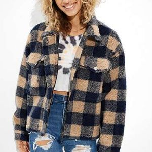 AMERICAN EAGLE CROPPED CHECKERED SHERPA Shacket